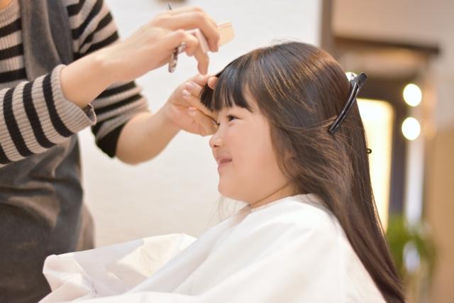 子供の前髪カット