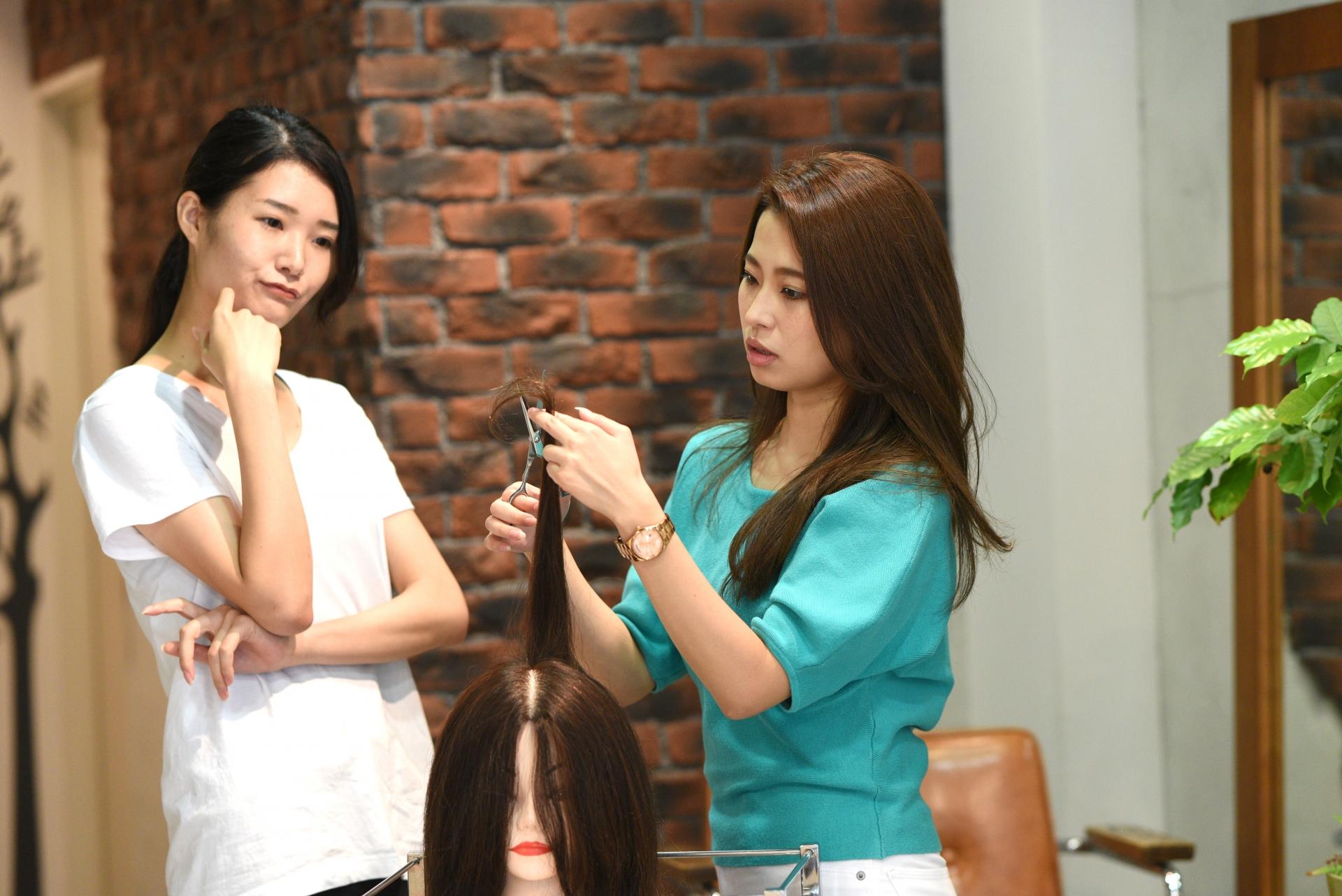 美容師労働時間